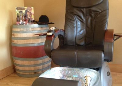 Pedicure throne with massage
